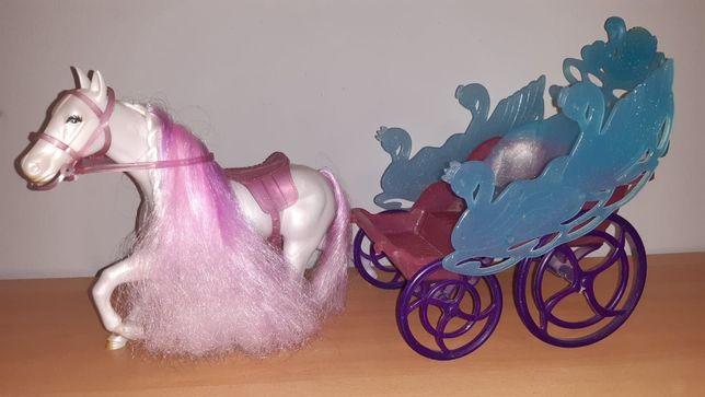 Koń z karetą dla Barbie