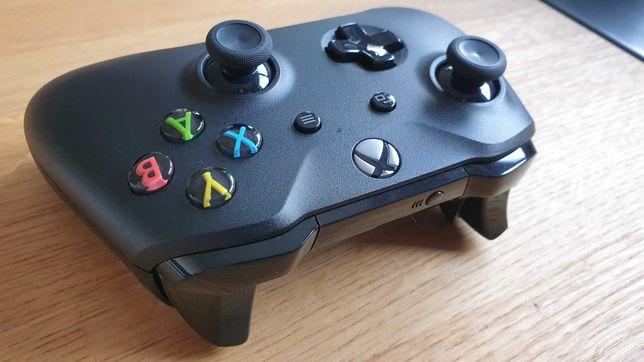 Oryginalny pad Xbox ONE / Series S / X. Stan idealny. Czarny.