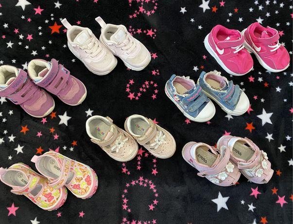 Обувь на девочу 20 21 размер (кроссовки, босоножки, хайтопы, ботинки)