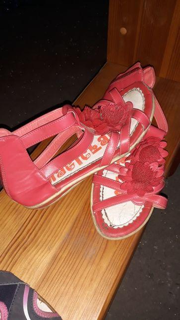Oddam sandały 33
