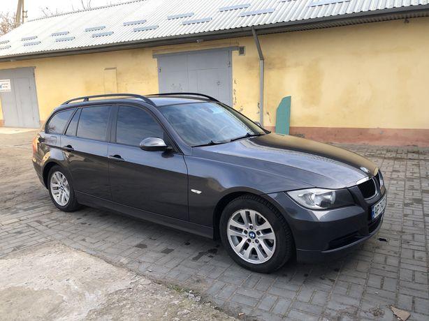 BMW 320i 2007 год.
