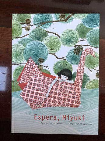 Livro infantil espera miuki