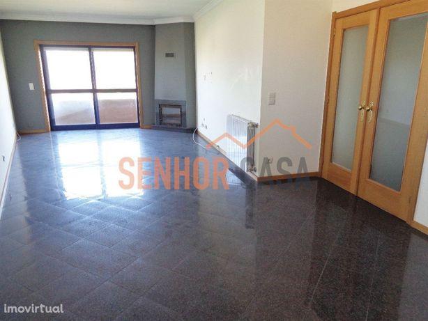 Apartamento T3+1 Duplex em condomínio fechado, Valadares, Gaia