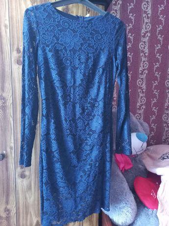 Продам платье, размер М