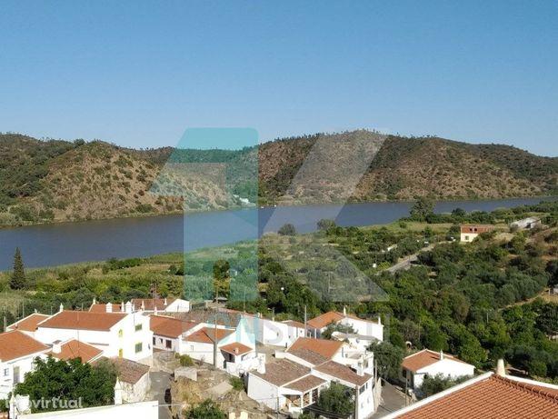 Empreendimento Turístico no Algarve situado na margem do ...