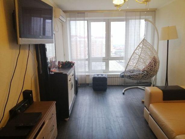 Однокімнатна квартира Г.Сталінграда 9а, з панорамною на Дніпро