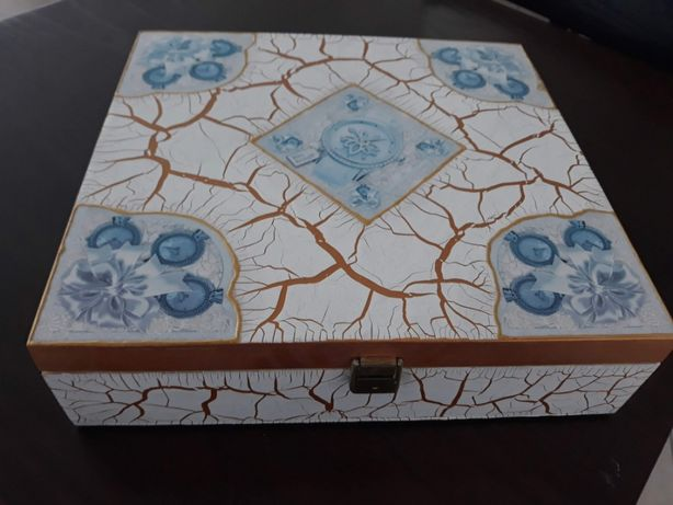Caixa em madeira pintada para 8 relógios, nova