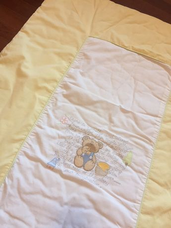 Edredao / Colcha almofadada para berço / cama bébé