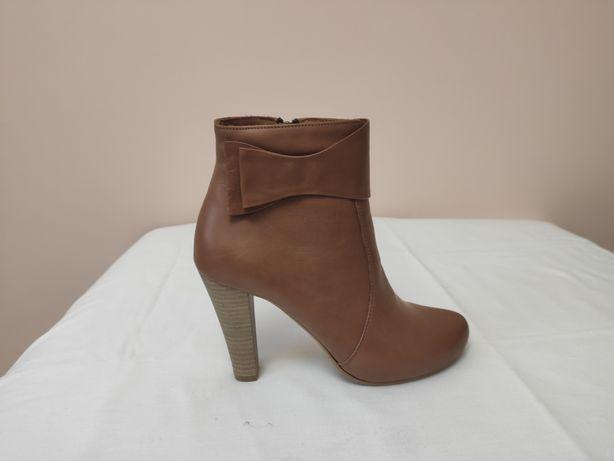 Ботинок светло коричневые кожаные (35) bravo moda