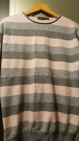 Sweterek z monnari.