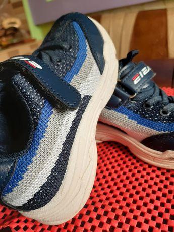 Кросівки  кроси красовки кроссы  кросы