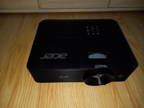 Sprzedam nowy projektor Acer