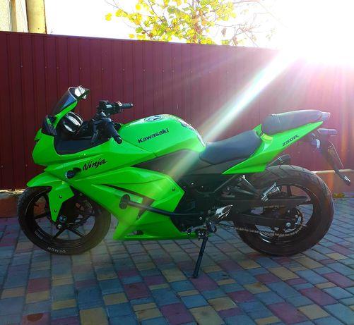 Продам мотоцикл Kawasaki ninja 250