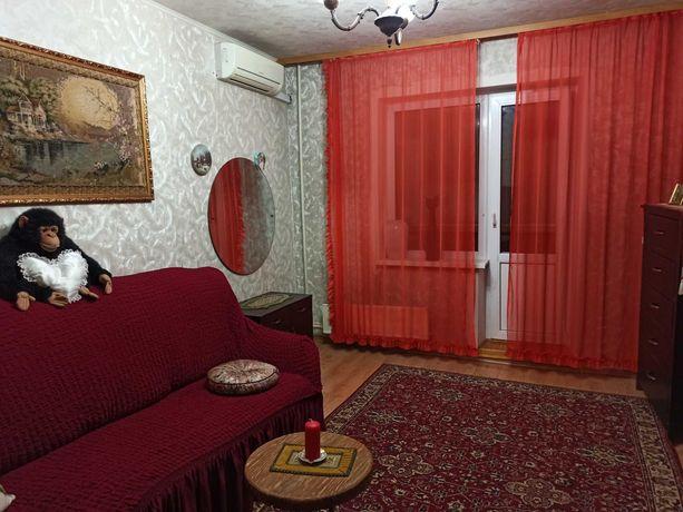 Отличная комната с балконом для девушки. Ул. Жмеринская, м.Святошин