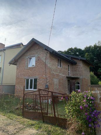 Будинок в передмісті Львова