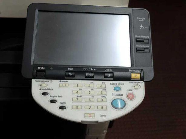 Fotocopiadora Multifunções Konica Minolta bizhub C452 - Avariada