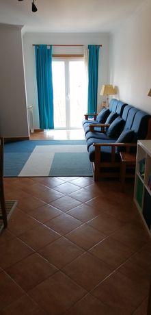 Apartamento t2 são Martinho do Porto a 150 m da praia
