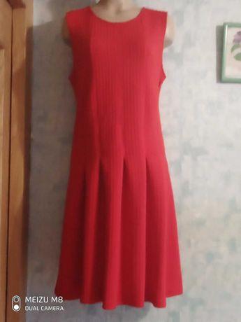 Летнее стрейчевое платье р.46