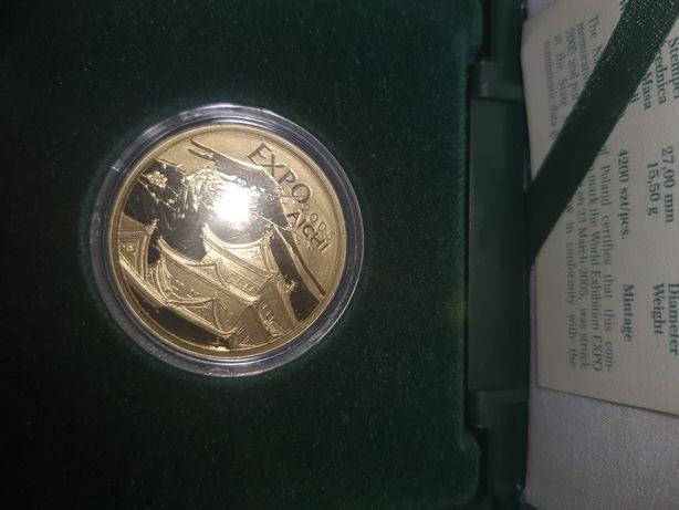 Złotą monetę Expo Aichi nominał 200 zł