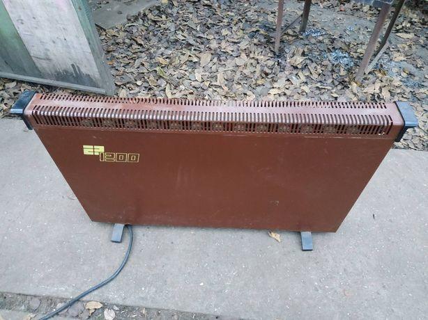 Обогреватель EP 1300, большой, тяжёлый, коричневый)