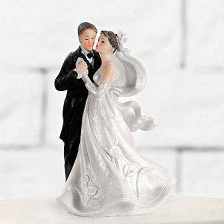 Figurka na tort ślubna para młoda
