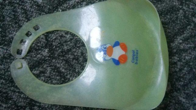 Слюнявчик пластиковый