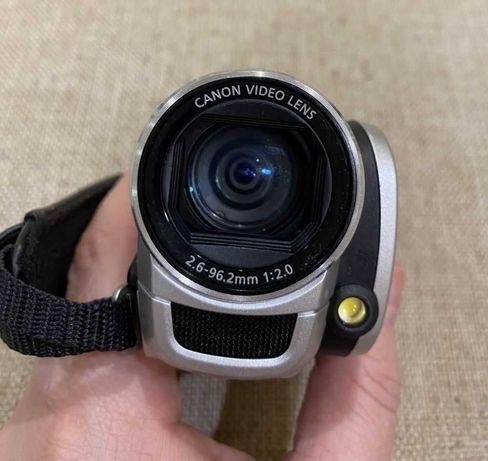 Продам видеокамеру Canon Legria FS306. 2300р.