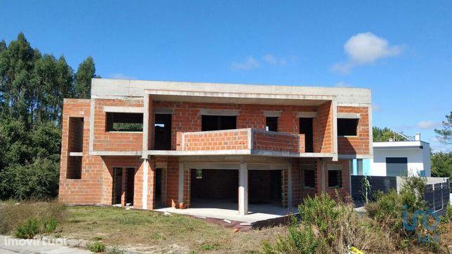 Moradia - 233 m² - T4
