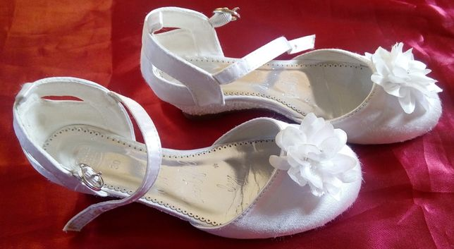 COOL CLUB Białe balerinki obcasik komunia 30