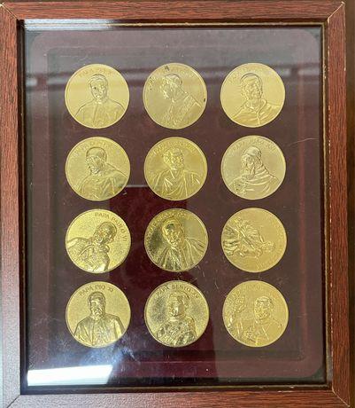 MEDALHAS - Coleção completa com 12 medalhas em metal dourado