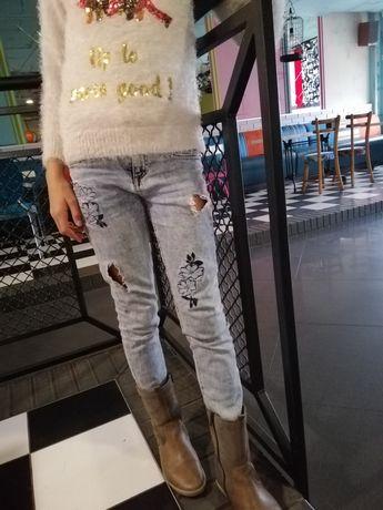 Фирменные джинсы Скинни, рваные, с вышивкой, рост 134-140