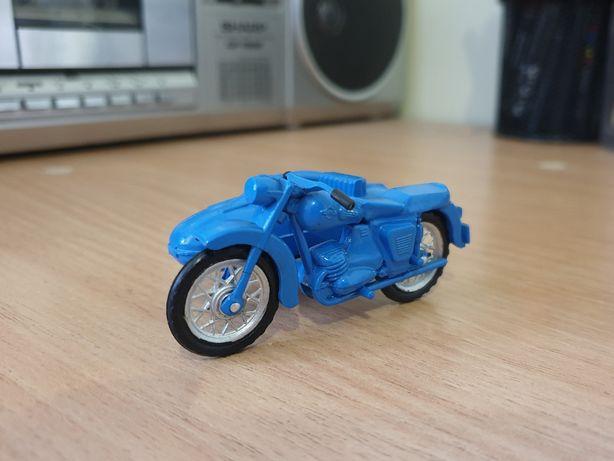 Модель мотоцикла с коляской ИЖ Юпитер 2К, 1/30, сделано в СССР