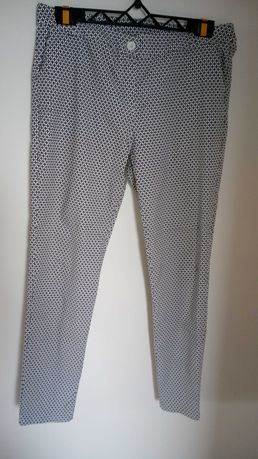 Spodnie 44 czarno białe wzór