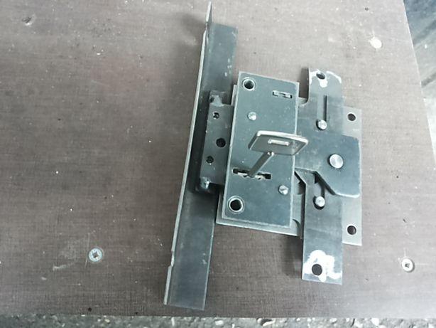 Установка и замена замков на металлические двери