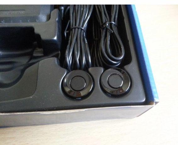 Czujniki cofania  parkowania czarne 4 sensory z wyswietlaczem
