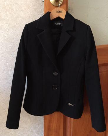Пиджак 7-8 лет (фирма AHSEN + блуза в подарок)