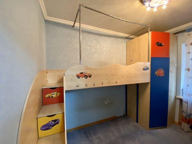 Двухэтажная кровать, шкаф, детская стенка по дизайнерскому проекту