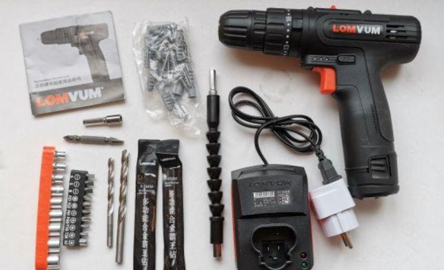 Шуруповерт аккумуляторный набор+насадки в кейсе черный