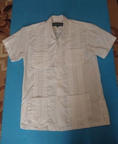 Рубашка на подростка с вышивкой.