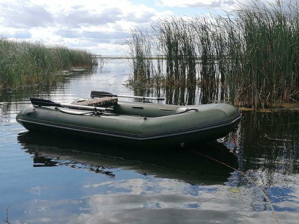 Лодка надувная Adventure M330 с мотором Мercury 5M