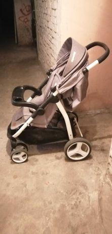 Wózek dziecięcy. Spacerówka