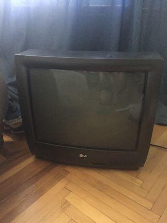 Продам телевизор б/у модель lg ck-21f84x