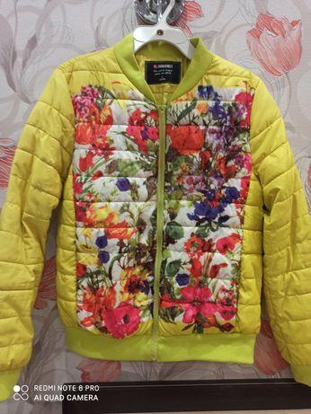 Куртка жіноча 44р.