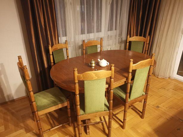 Duży rozkładany stół dębowy z krzesłami