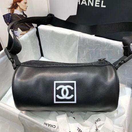 Chanel torebka skóra skórzana czarna pasek sportowa