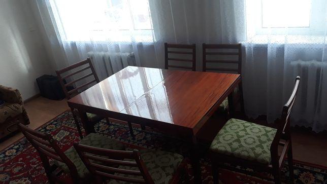 Продам стіл і 6 стільців