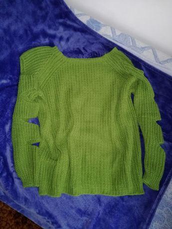 Sweter włoski rozcięcia dziury wzór na rękawach!
