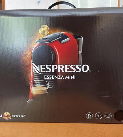 Nespresso maquina essenza mini + aeroccino 3