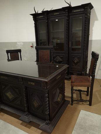 Mobiliário antigo de escritório
