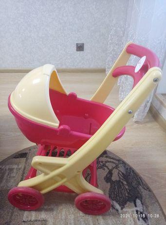 Детская пластмассовая коляска